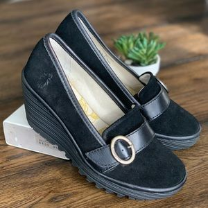 Fly London Yond Suede Wedge